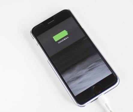 スマホの電池 急に減りが早くなったと感じたらするべきこと